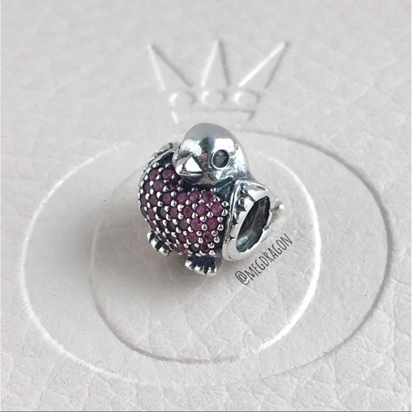 f8d3a3365 Pandora Red Robin Charm. M_5b85ee9e28309572dda628e0